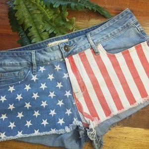 27bca32480 Bullhead · Bullhead Black American Flag Denim Jean Shorts. $20 $0. Size: 11  (Juniors) ...